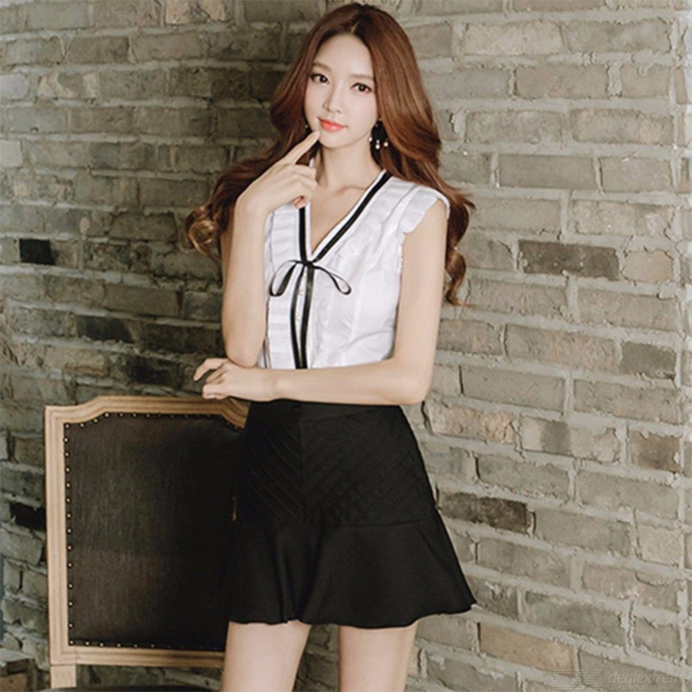 f37f026966 Women Two Piece V-neck Collar Ribbon Ruffle Edge Sleeveless Tops And  Pleated Hem Mini Skirt Set - Free shipping - DealExtreme