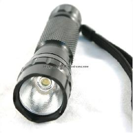 Ultrafire WF-501B / WF-510B LED Flashlight (CR123A / 18650)