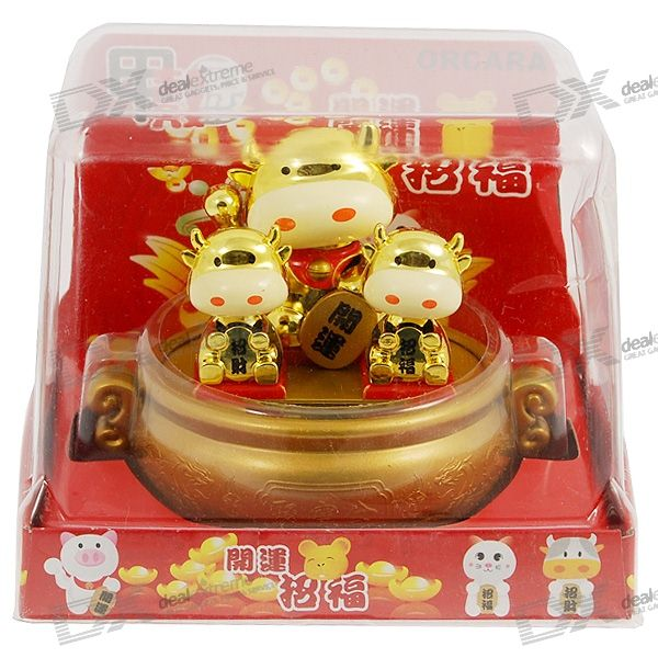 Solar Powered Three Golden Cattles Head Shaking Desktop Toy