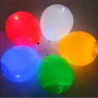 Värikäs valkoinen LED Light Up Balloon - Multicolored (2 x CR2032 / 5pcs)