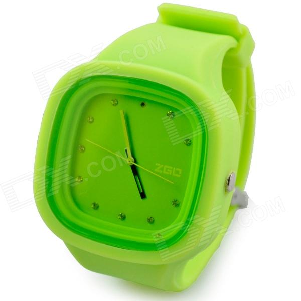 Fashion Square Silicone Band Analog Quartz Wrist Watch for Men - Green - DXMens Quartz Watches<br>Quantity 1 Piece Color Green Item Shape Square Dial Window Material Plastic Casing Material Plastic Band Material Silicone Suitable for Adults Gender Unisex Style Wrist Watch Type Fashion Watches Display Analog Movement Quartz Display Format 12 hour format Water Resistant Daily Water Resistant (not for Swimming) Dial Diameter 42 mm Dial Thickness 11.2 mm Band Length 240 mm Band Width 30 mm Battery 1 x 377 (included) Packing List 1 x Watch<br>