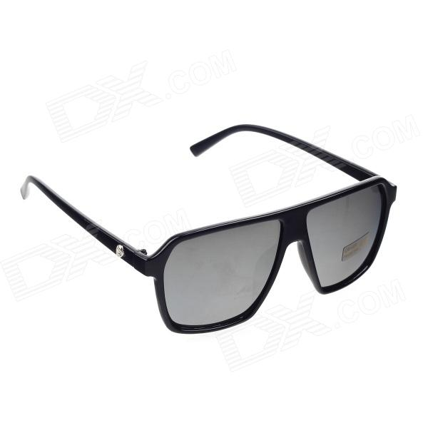 Retro PC Frame UV400 Protection Resin Lens Sunglasses - Black + Deep GreySunglasses<br>BrandN/A Quantity1 GenderUnisex Suitable forAdults ProtectionUV400 Frame ColorBlack Lens ColorDeep GreyFrame MaterialPC Lens MaterialResin piece  Lens Height52 mmLens Width55 mmBridge Distance48 mmOverall Width of Frame141 mmTemple Length140 mmPacking List1 x Glass<br>1 x Cleaning cloth<br>1 x Carrying case<br>