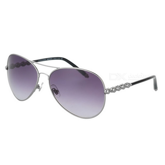 4220/S  Cool Skull Style UV400 Protection Monel Alloy Frame Nylon + Resin Lens Sunglasses - Silver - DXSunglasses<br>Brand N/A Model 4220/S Quantity 1 Gender Unisex Suitable for Adults Protection UV400 Frame Color Silver Lens Color Grey Frame Material Monel alloy Lens Material Nylon + resin Lens Height 53 mm Lens Width 63 mm Bridge Distance 20 mm Overall Width of Frame 140 mm Temple Length 135 mm Features Suitable for outdoor sports such as climbing mountaineering fishing and driving etc.; Isolates harmful UV light and eliminates reflective light Certification CE Packing List 1 x Sunglasses 1 x Case 1 x Cleaning cloth<br>