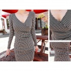 LX-0224 Fasjonable Houndstooth Pattern V-Neckline Drape Detalj Shinny Dress-Hvit + Svart