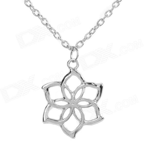 Flower Style Zinc Alloy Pendant Necklace for Women - Silver