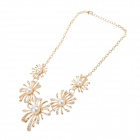 LM019 Flower Pattern Fashion Necklace - White + Golden