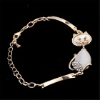 Women's Korean Style Elegant Trendy Rhinestone-studded Cute Cat Shaped Bracelet - Gold