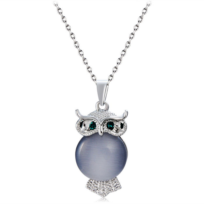 Xinguang Stylish Women's Alloy + Opal Decorated Owl Pendant Necklace - Silver