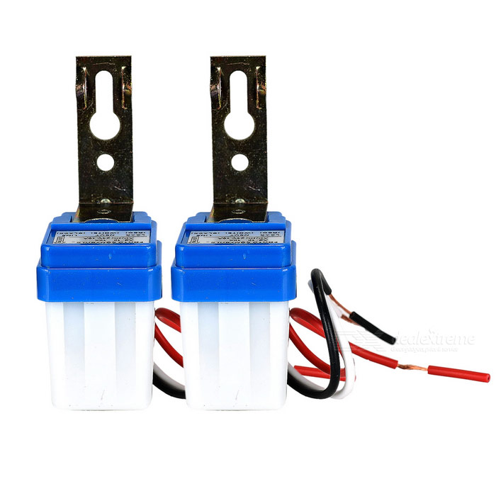 Light-Sensitive Street Road Lamp Auto Operated Control Switch (2PCS)Switches &amp; Adapters<br>Form  ColorWhite + BlueQuantity2 DX.PCM.Model.AttributeModel.UnitMaterialABSPower RangeAC 110VMax. Current10AWorking Temperature-20~+50 DX.PCM.Model.AttributeModel.UnitPacking List2 x Switches (wire length: 15+/-2cm)1 x Chinese user manual<br>