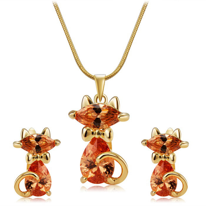 Lovely Cat Crystals Inlaid Pendant Necklace - Golden