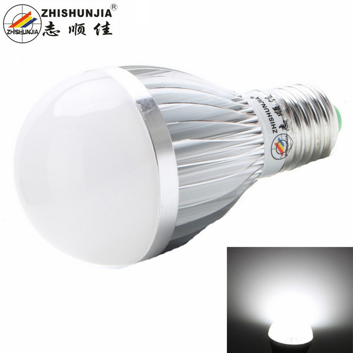 ZHISHUNJIA E27 12W LED Globe Bulb Cold White 1000lm 24-SMDE27<br>Form  ColorSilver + WhiteColor BINCold WhiteMaterialAluminium alloyQuantity1 DX.PCM.Model.AttributeModel.UnitPower12WRated VoltageAC 85-265 DX.PCM.Model.AttributeModel.UnitConnector TypeE27Chip BrandOthers,N/AChip Type5630Emitter TypeLEDTotal Emitters24Theoretical Lumens1100 DX.PCM.Model.AttributeModel.UnitActual Lumens1000 DX.PCM.Model.AttributeModel.UnitColor Temperature12000K,Others,6000~6500KDimmableNoBeam Angle180 DX.PCM.Model.AttributeModel.UnitCertificationCEPacking List1 x Light bulb<br>