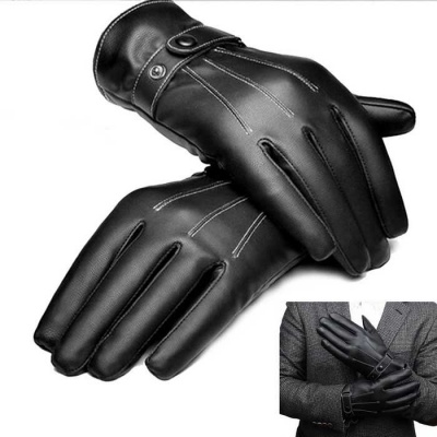 Man Drive Touch Screen With Velvet Warm Lmitation Leather Gloves