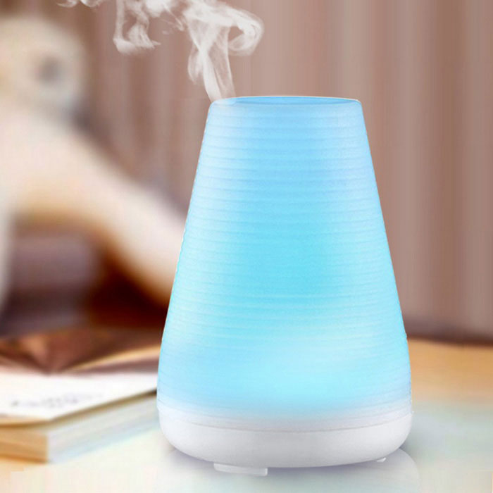 100ml Ultrasonic Aroma Humidifier w/ 7-Color LED Light / Auto Shut-off