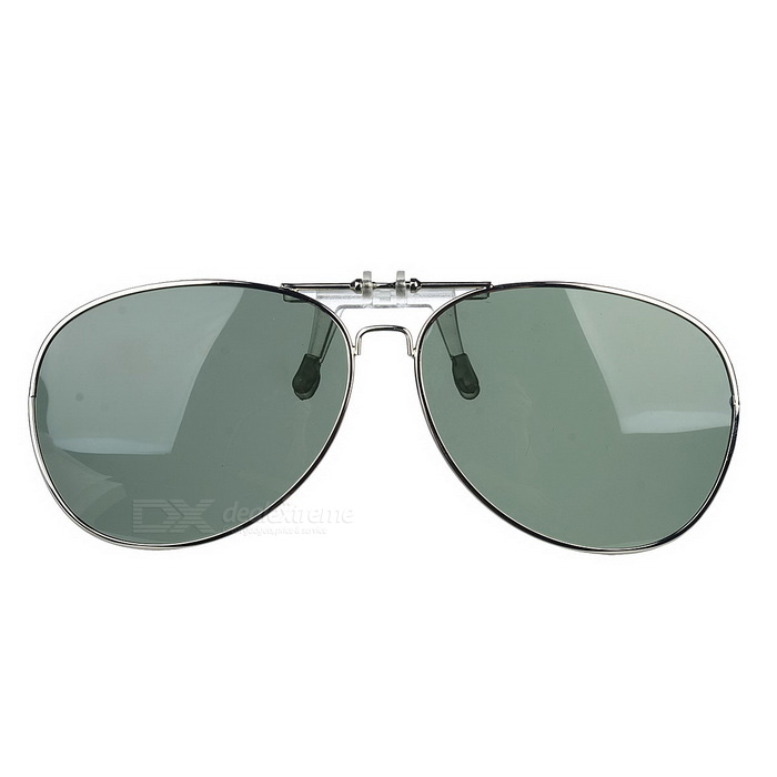 Cool Color Clip-on Polarized Sunglasses Lens - Silver + Dark GreenSunglasses<br>Frame ColorSilverLens ColorDeep GreenQuantity1 DX.PCM.Model.AttributeModel.UnitShade Of ColorGreenFrame MaterialMetalLens MaterialPolarized TACProtectionUV400GenderUnisexSuitable forAdultsFrame Height5 DX.PCM.Model.AttributeModel.UnitLens Width6.5 DX.PCM.Model.AttributeModel.UnitBridge Width1.3 DX.PCM.Model.AttributeModel.UnitOverall Width of Frame13 DX.PCM.Model.AttributeModel.UnitPacking List1 x Lens<br>
