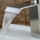 Rubinetteria da bagno contemporanea Nickel Brushed Waterfall-argento
