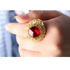 Retro Ruby + Rhinestones Inlaid Gold-Plated Alloy Ring