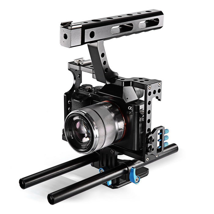 YELANGU C5 DSLR Camera Rig Cage for GH4 A7S A7 A7R A7RII A7SIIOther Accessories<br>Form ColorBlue + BlackModelC5MaterialAluminum AlloyQuantity1 DX.PCM.Model.AttributeModel.UnitCompatible BrandSony. PanasonicCompatible ModelSony A7 Camera A7/A7II/A7s/A7r/A7Rii,Panasonic GH4Packing List1 * Camera Cage<br>