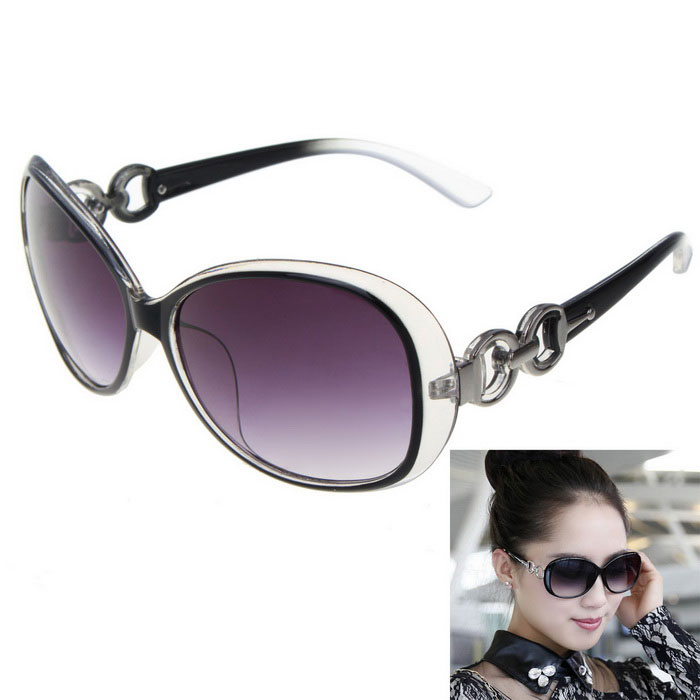 Womens Luxury Crystal Texture Gradient Sunglasses - Black GreyWomens Sunglasses<br>Frame ColorAsh BlackLens ColorGreyQuantity1 DX.PCM.Model.AttributeModel.UnitShade Of ColorGrayFrame MaterialPlasticLens MaterialPCProtectionUV400GenderWomenSuitable forAdultsFrame Height5.4 DX.PCM.Model.AttributeModel.UnitLens Width5.9 DX.PCM.Model.AttributeModel.UnitBridge Width2.1 DX.PCM.Model.AttributeModel.UnitOverall Width of Frame14.1 DX.PCM.Model.AttributeModel.UnitPacking List1*Sunglasses<br>