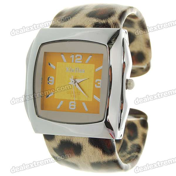 Stylish Bracelet Band Wrist Watch - Golden Leopard (1*377) stylish bracelet band quartz wrist watch golden silver 1 x 377