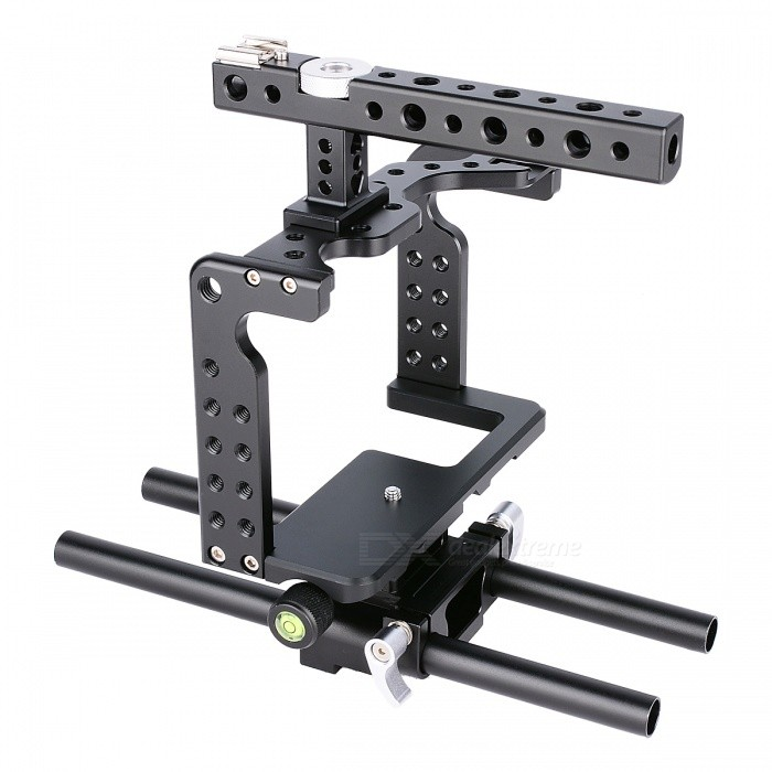 YELANGU C7 Camera Cage for DSLR Camera GH4 GH5 - BlackTripods and Holders<br>Form  ColorWhite + BlackModelC7MaterialAluminum alloyQuantity1 setShade Of ColorWhiteTypeOthers,GH5 cageRetractableYesPacking List1 x Base plate1 x Handle1 x Framework1 x 25mm theraded catheter1 x Warranty card1 x Certificate of quality1 x Inch 3/16 hex wrench1 x Handle connecting screw 1 x Handle connector<br>