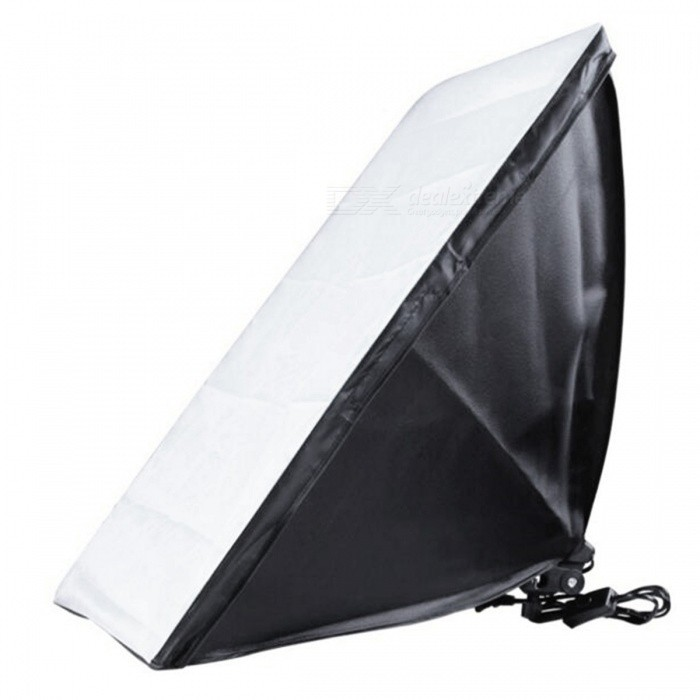 50 x 70cm Soft Box with E27 Single Photography Lamp KitLighting and Studio Accessories<br>Form  ColorBlack + SilverMaterialMetal + reflective clothQuantity1 pieceWorking Voltage   220 VPower SupplyAlternating currentPacking List1 x Softbox1 x Soft cloth cover<br>