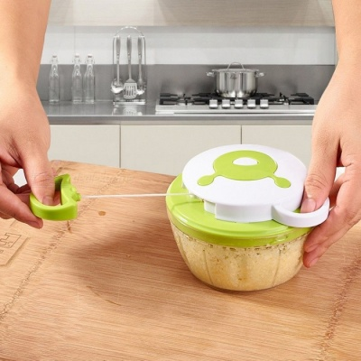 Kitchen Multi-function Hand Pull Rope Meat Mashing Winder Hand-Operated Fruit Stirrer - Green
