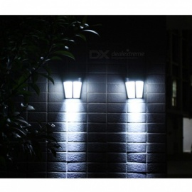 European-Style Retro Outdoor Solar Waterproof LED Courtyard Villa Landscape Lighting (Warm Yellow Light)