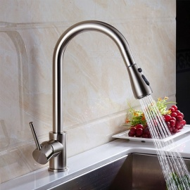 Brass Brushed Pull-out/­Pull-down 360 Degree Rotatable Single Handle One-Hole Kitchen Faucet with Ceramic Valve