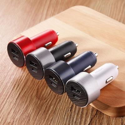 ROCK RCC0131 Portable Mini 2.4A PD Fast Charging QC3.0 Type-C And USB Car Charger Black