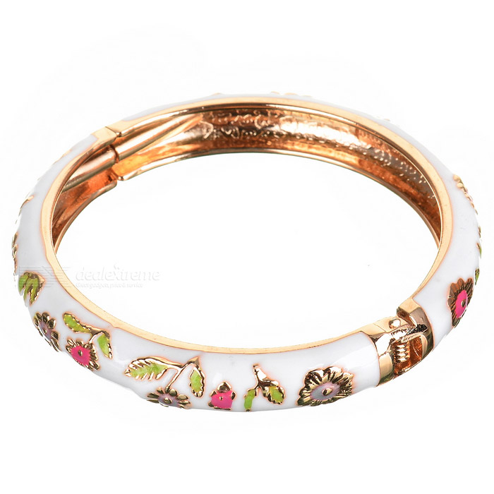Beautiful Golden Bracelet for Women (Assorted)