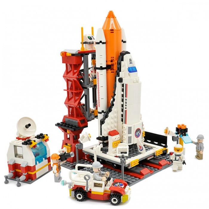 679Pcs City Spaceport Space Shuttle Bricks Building Block Set Toy for KidsBlocks &amp; Jigsaw Toys<br>Form  ColorColorfulModelN/AMaterialPlasticQuantity1 DX.PCM.Model.AttributeModel.UnitNumber679PcsSize16cmx16cmx23cmSuitable Age 5-7 years,8-11 years,12-15 yearsPacking List679 x Building Blocks<br>
