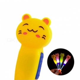 Cute Cartoon Animal Style Earpick Ear Cleaner Luminous Earwax Spoon with Light - Green