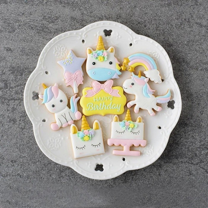 fda7afd3e1a1 1 Set Unicorn Cookie Stamps Stainless Steel Cookie Biscuit Decoration Mold  Animal Shape Cookie Cutters Style 2