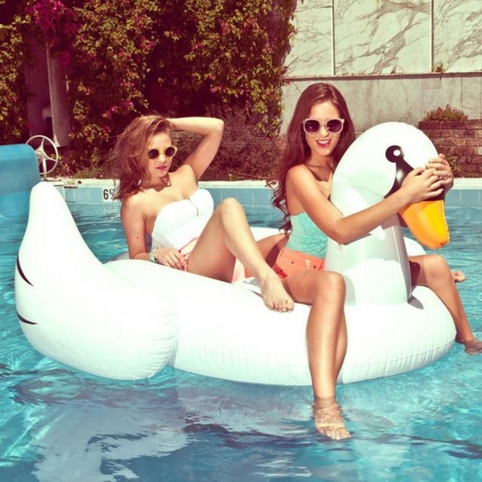 Pool Inflatable Toys Flamingo Swan Swimming Pool Float Beach Giant Pool Ring Holiday Fun Inflatable Toy For Adult Kids 150CM
