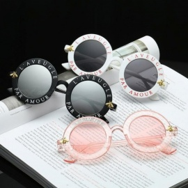 Retro Round Sunglasses English Letters Little Bee Sunglasses Men Women Brand Glasses Designer Fashion Male Female Black