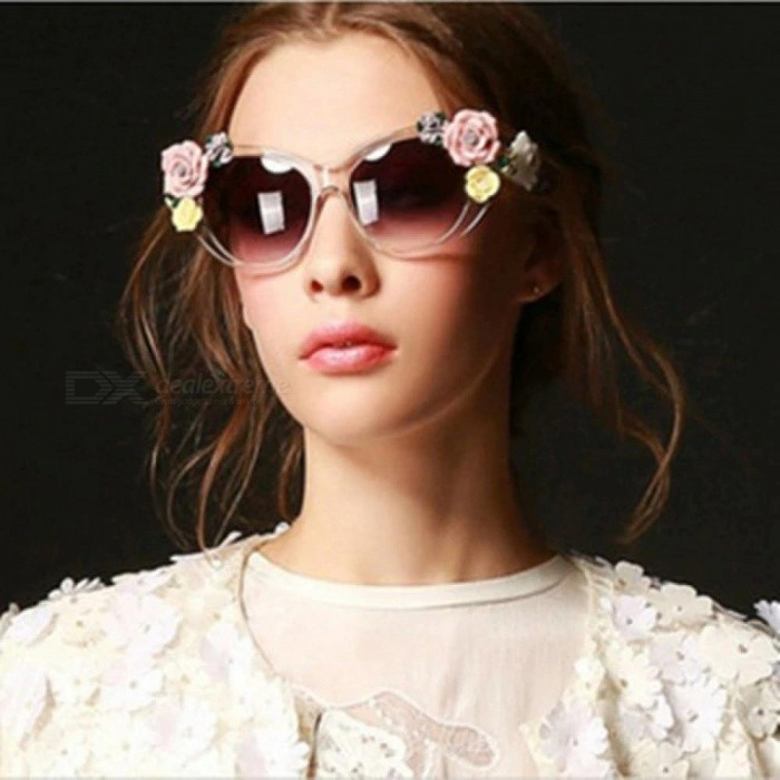 05321fbde3 Fashion Baroque Women Girls Flower Sunglasses Retro Brand Sexy Gems Sunglasses  Summer Beach Glasses For Adult