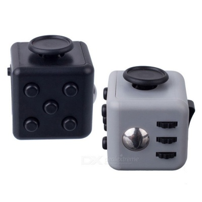 Fidget Dice Cubic Toy for Focusing / Stress Relieving - Black + Grey