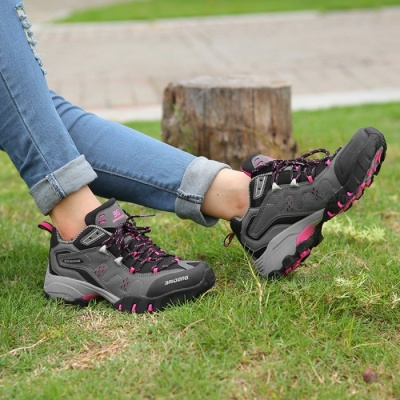Ctsmart 8061 Outdoor Women's Large Size Hiking Shoes for Spring and Autumn - Black Plum Red (40#)