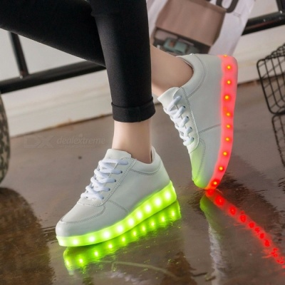 7ipupas Luminous LED Light Up Casual Sports Shoes for Boy Girl Kids, Christmas LED Lighted Simulation Glowing Tennis Sneakers 4/fdh101a White