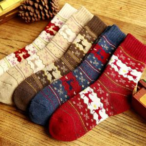 Christmas Elk Happy Hosiery Middle Tube Retro Cotton Warm Thick Women Funny Socks 35-42 Size 5 Mixed Color Set