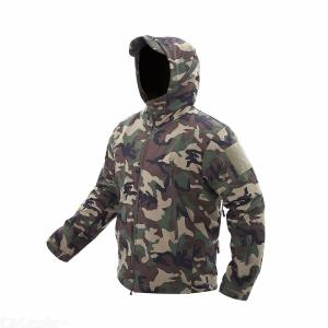 Mens Waterproof Camouflage Softshell Hiking Jacket With Foldable Hood, Plush Tactical Jacket For Men