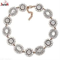 Luxurious-Floral-Stone-Necklace-Vintage-Gold-plated-Chain-For-Women