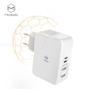Portable Quick Charger 5V/2.4A 3 Port USB Type-C Charging Block