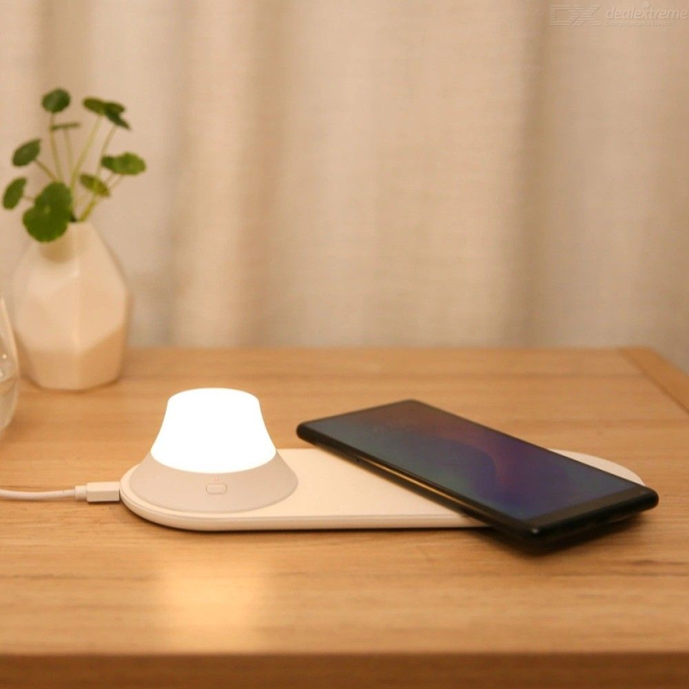 Xiaomi Yeelight Wireless Charger With LED NightLight Magnetic Attraction Fast Charging For IPhones Samsung Huawei Xiaomi
