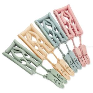Portable Folding Hanger PP Clothes Hangers With 2 Clips For Travel Home