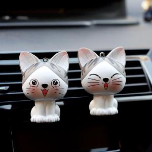 Best Selling Creative Gift Cute Cat Car Aromatherapy Air Conditioning Auto Parfum Clip Decoration Ornaments