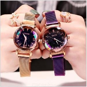 Luxury Women 3D Cut Starry Sky Dial Waterpoof Quartz Watch With Magnetic Mesh Band For Ladies