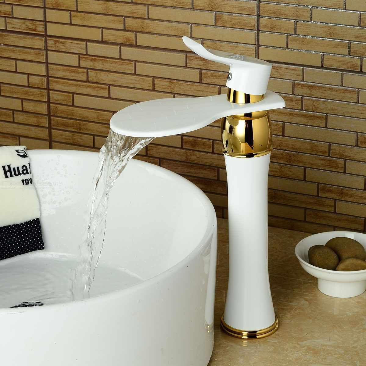 F-0721W1 Bathroom Sink Faucet - White Spray Paint Waterfall Ti-PVD Centerset Single Handle One Hole Bath Taps / Brass
