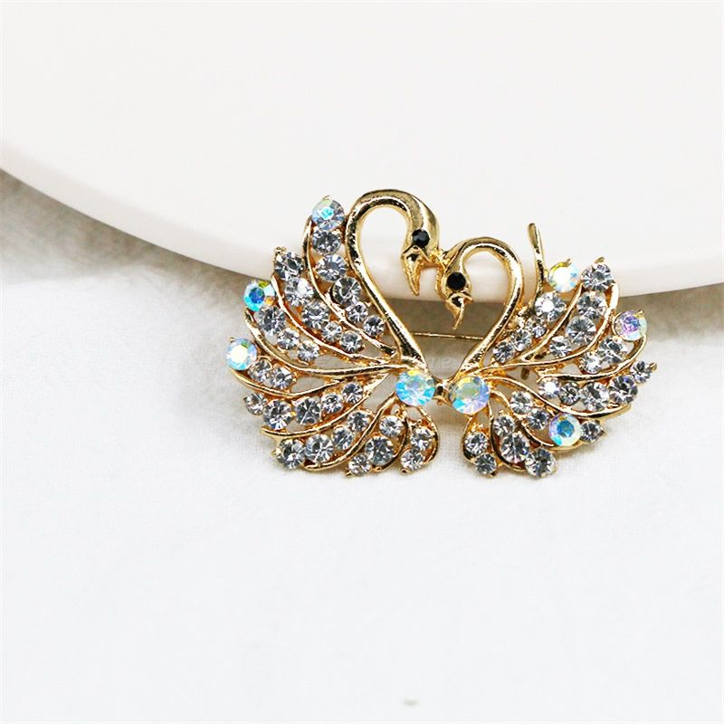Double Swan Brooch Creative Crystal Sweater Pin Simple Clothing Accessories Colorful Crystal Brooches Animal Lapel Pins