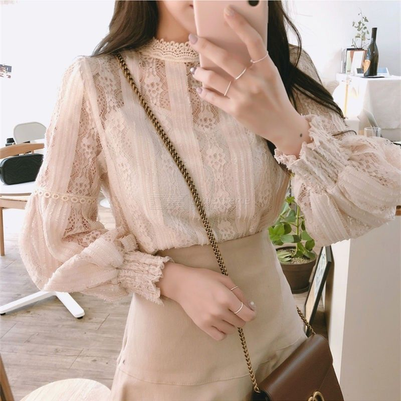 The spring and autumn period and the lace top French brief paragraph coat of scheme design are the small hubble-bubble sleeve sh